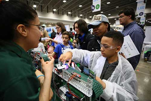 Hands-on activities at 2018 USA Science and Engineering Festival